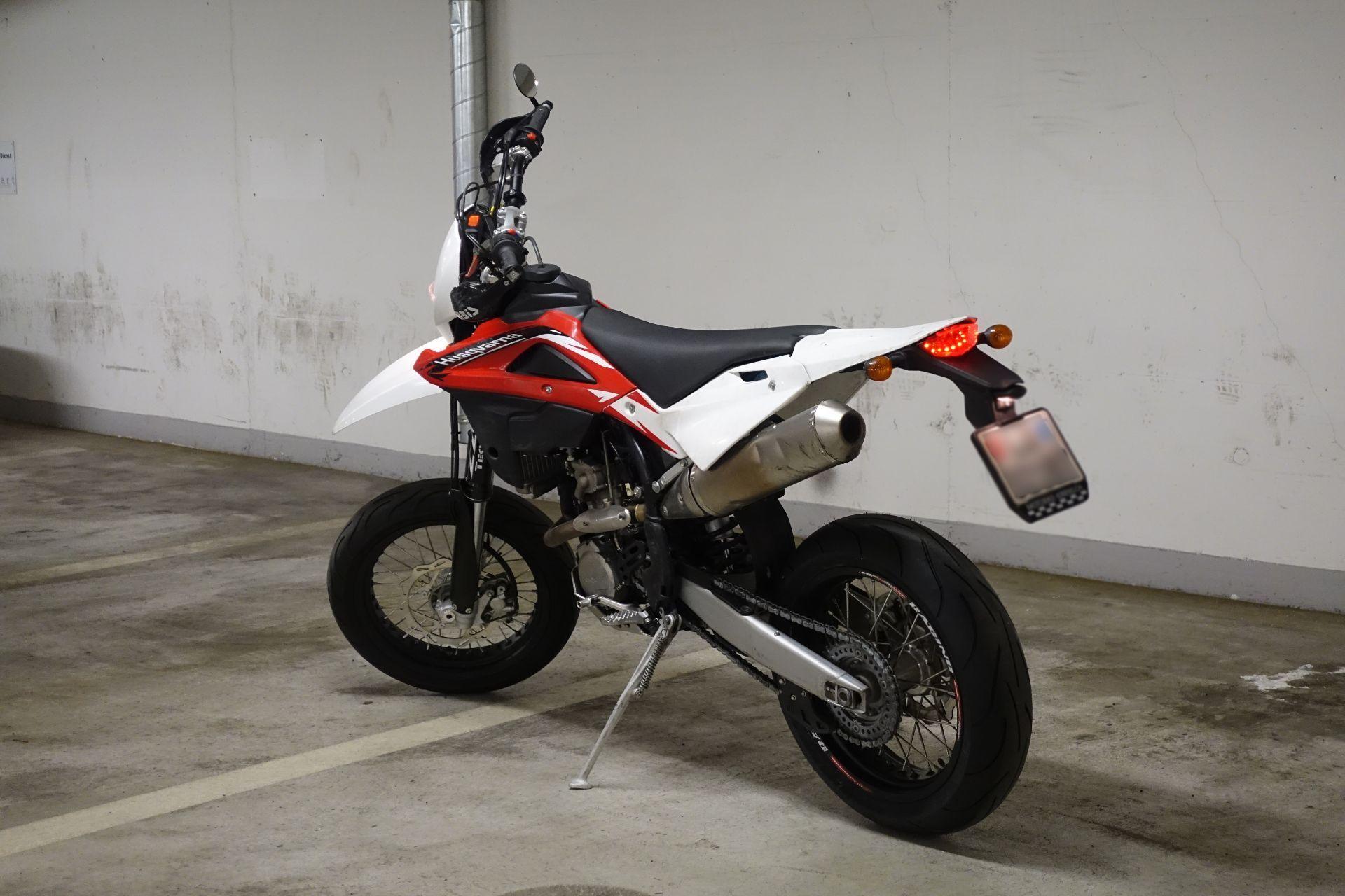 moto occasioni acquistare husqvarna 310 te motobike kriens kriens. Black Bedroom Furniture Sets. Home Design Ideas