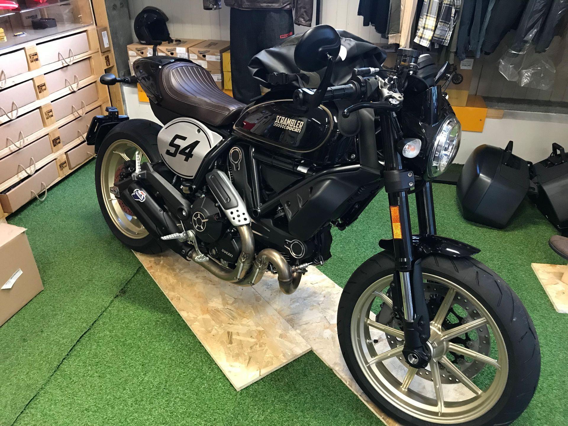 motorrad neufahrzeug kaufen ducati 803 scrambler caf racer moto art sagl grancia. Black Bedroom Furniture Sets. Home Design Ideas