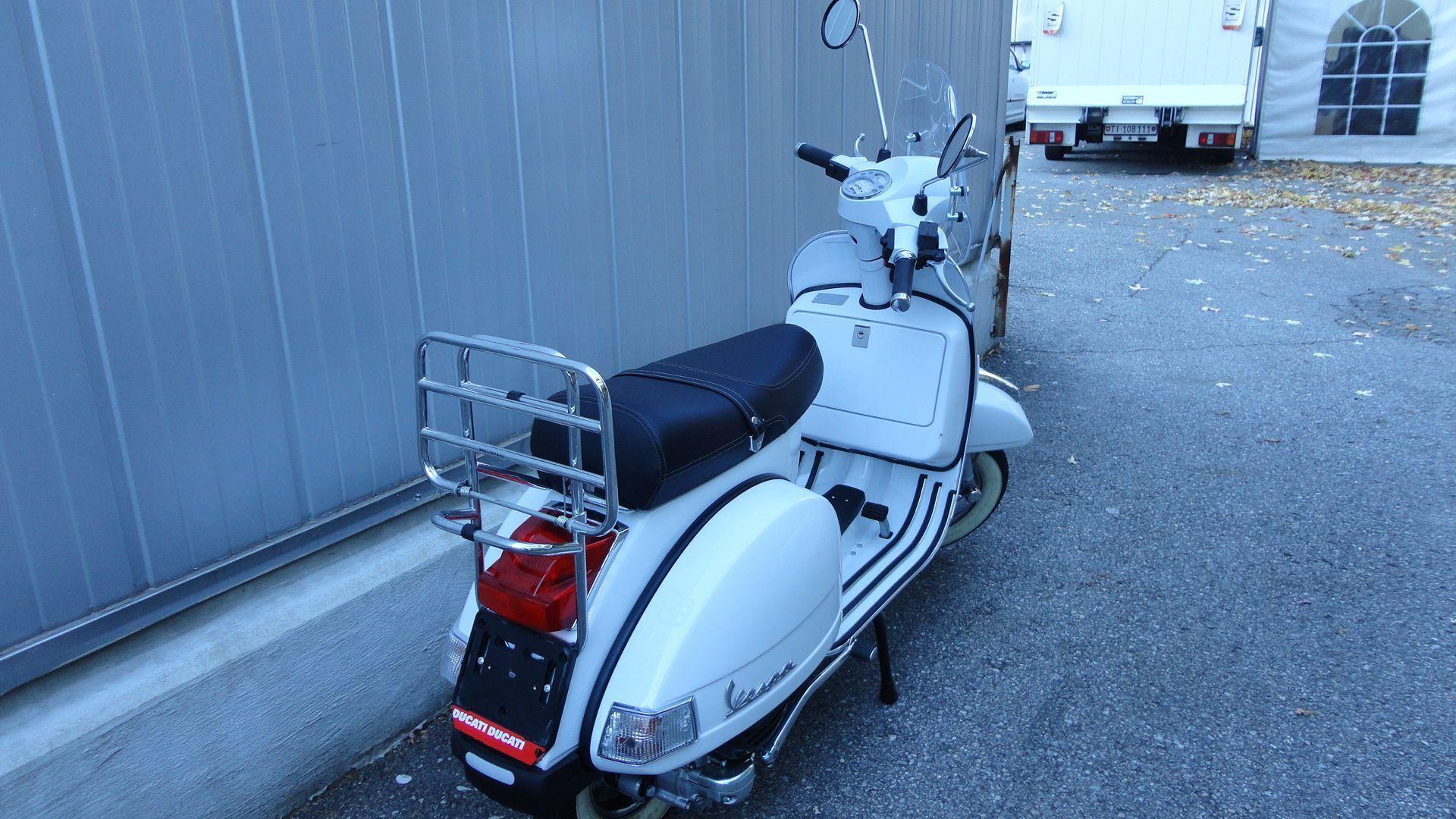 motorrad occasion kaufen piaggio vespa px 125 e 27 moto art sagl grancia. Black Bedroom Furniture Sets. Home Design Ideas