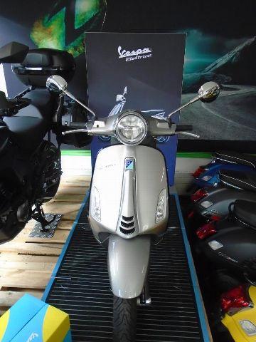 Motorrad kaufen PIAGGIO Vespa Elettrica L3 Neufahrzeug