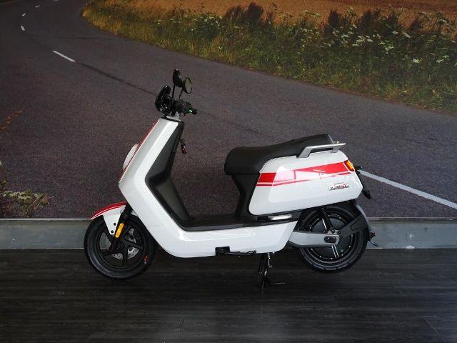 Motorrad kaufen NIU NGT Neufahrzeug