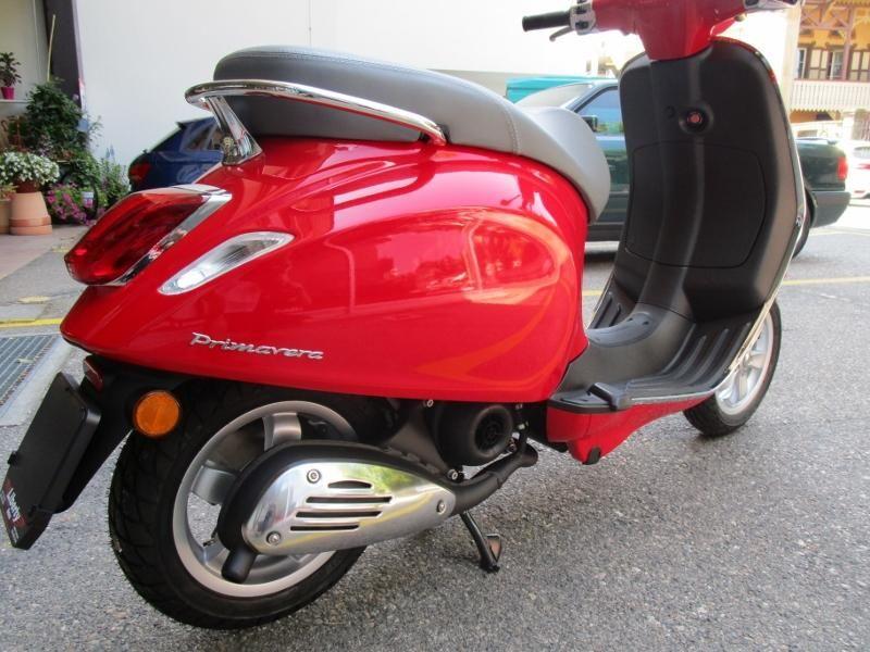 motorrad neufahrzeug kaufen piaggio vespa primavera 50 liberty motos s rl yverdon les bains. Black Bedroom Furniture Sets. Home Design Ideas