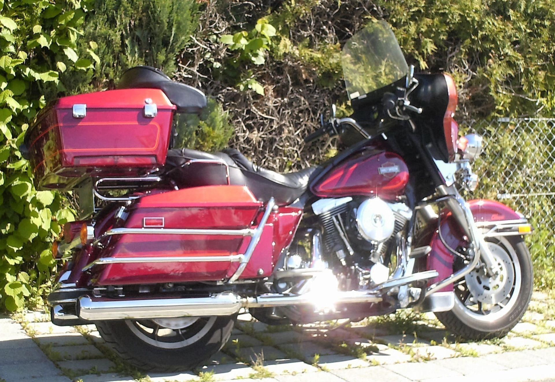 motorrad occasion kaufen harley davidson flhtc 1340 electra glide classic bikes 2 rock thun. Black Bedroom Furniture Sets. Home Design Ideas