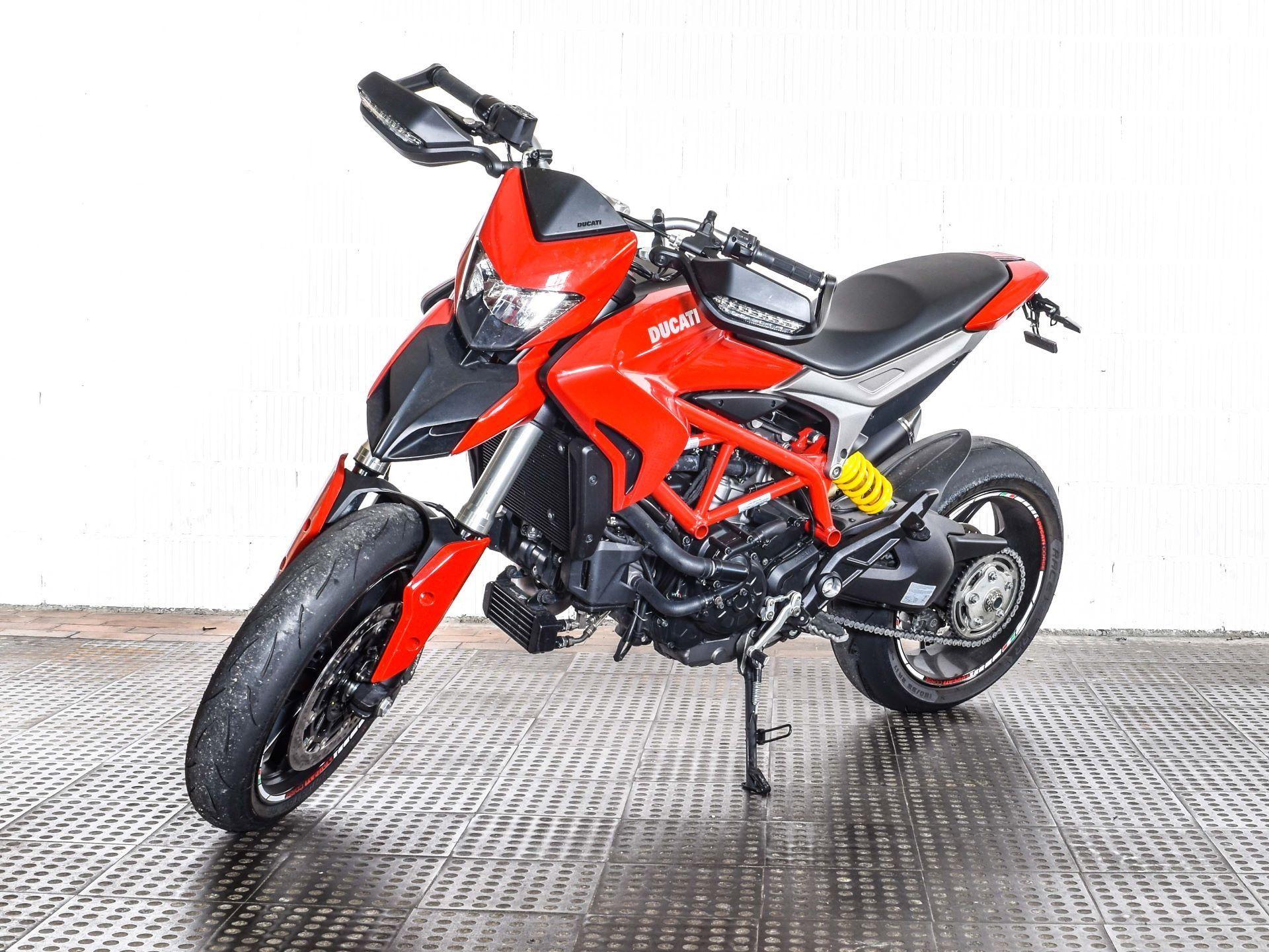 motorrad occasion kaufen ducati 939 hypermotard abs motocenter seetal ballwil. Black Bedroom Furniture Sets. Home Design Ideas