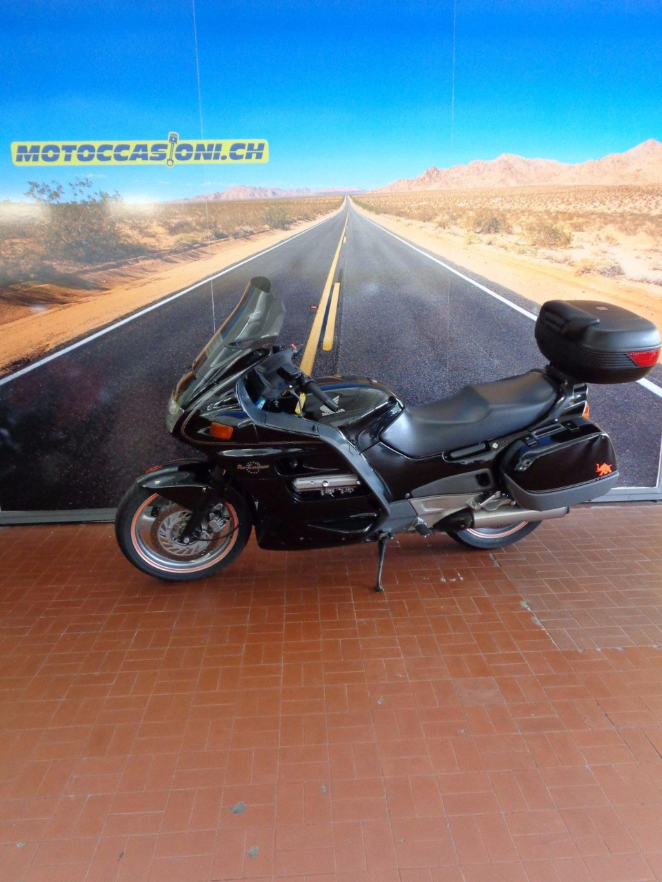 moto occasions acheter honda st 1100 pan european motoccasioni sa grancia. Black Bedroom Furniture Sets. Home Design Ideas