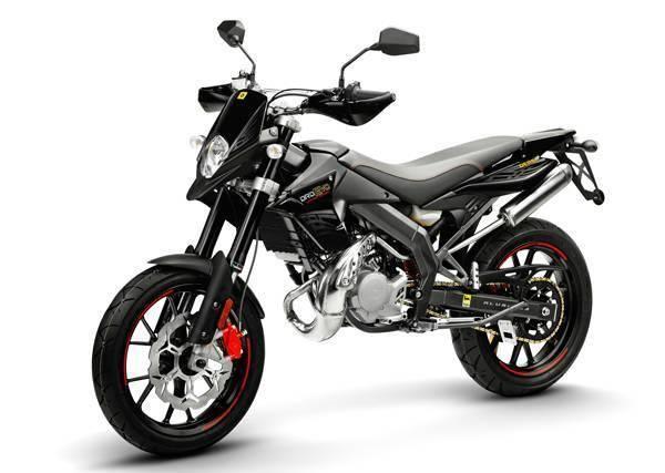 Motorrad kaufen DERBI Senda 50 DRD Evo SM Supermoto ab 16j. Occasion