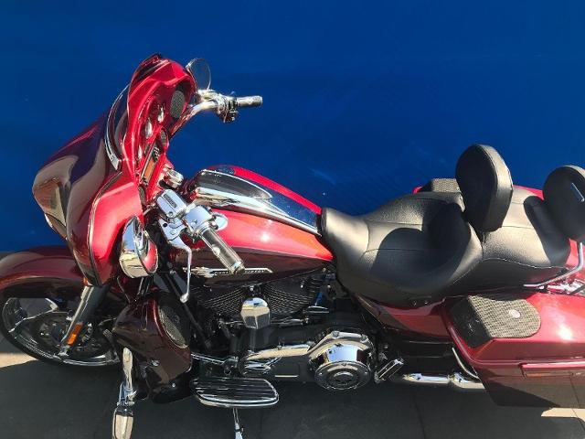 Motorrad kaufen HARLEY-DAVIDSON FLHXSE3 CVO 1801 Street Glide ABS Occasion