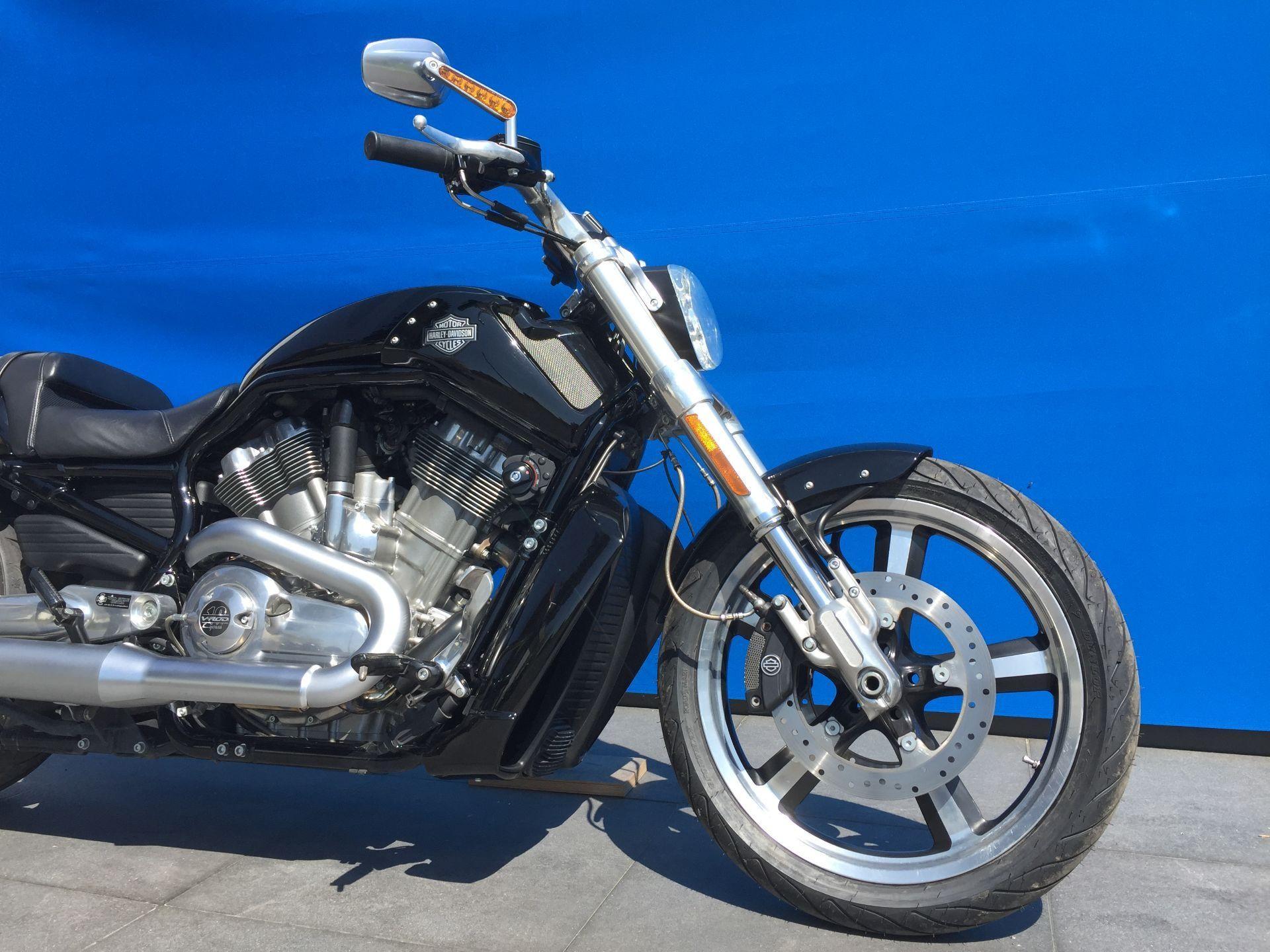 buy motorbike pre owned harley davidson vrscf 1250 v rod. Black Bedroom Furniture Sets. Home Design Ideas
