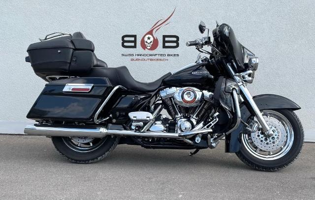 Motorrad kaufen HARLEY-DAVIDSON FLHTCUSE 1802 Screamin Eagle Ultra Occasion