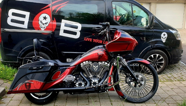 Motorrad kaufen HARLEY-DAVIDSON FLTRXS 1690 Road Glide Special ABS Occasion