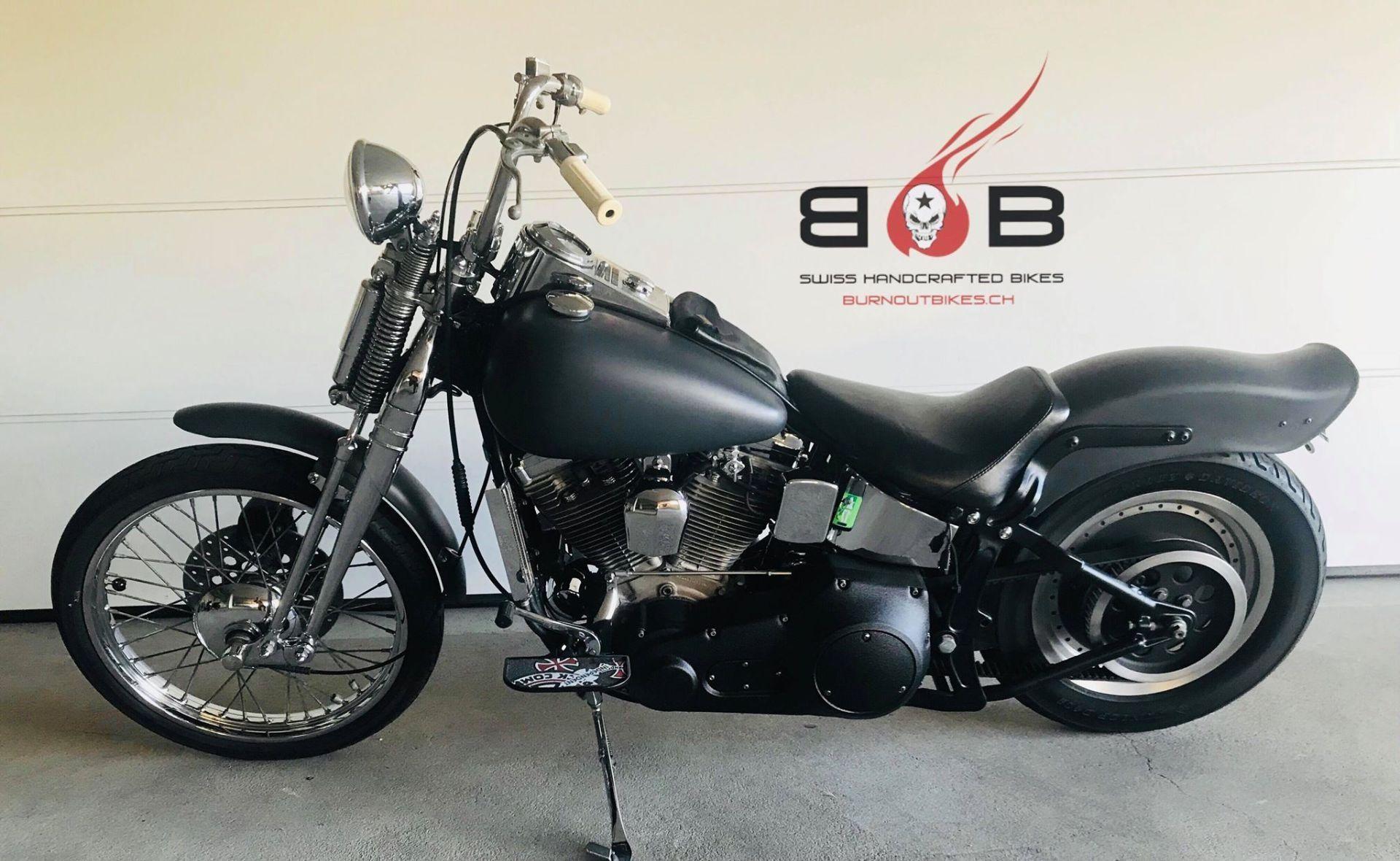 moto occasions acheter harley davidson fxstc 1340 softail custom springer burn out bikes frauenfeld. Black Bedroom Furniture Sets. Home Design Ideas