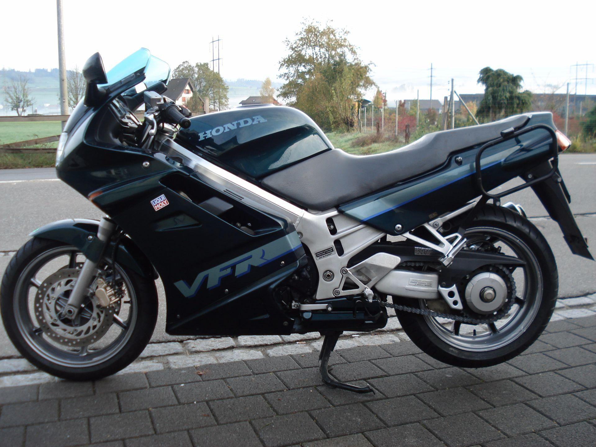 moto occasions acheter honda vfr 750 f janser bikes gmbh sch belbach. Black Bedroom Furniture Sets. Home Design Ideas