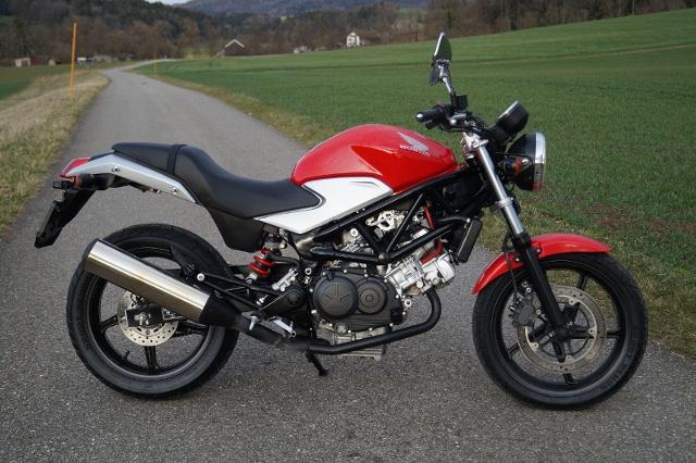 Motorrad kaufen HONDA VTR 250 Occasion