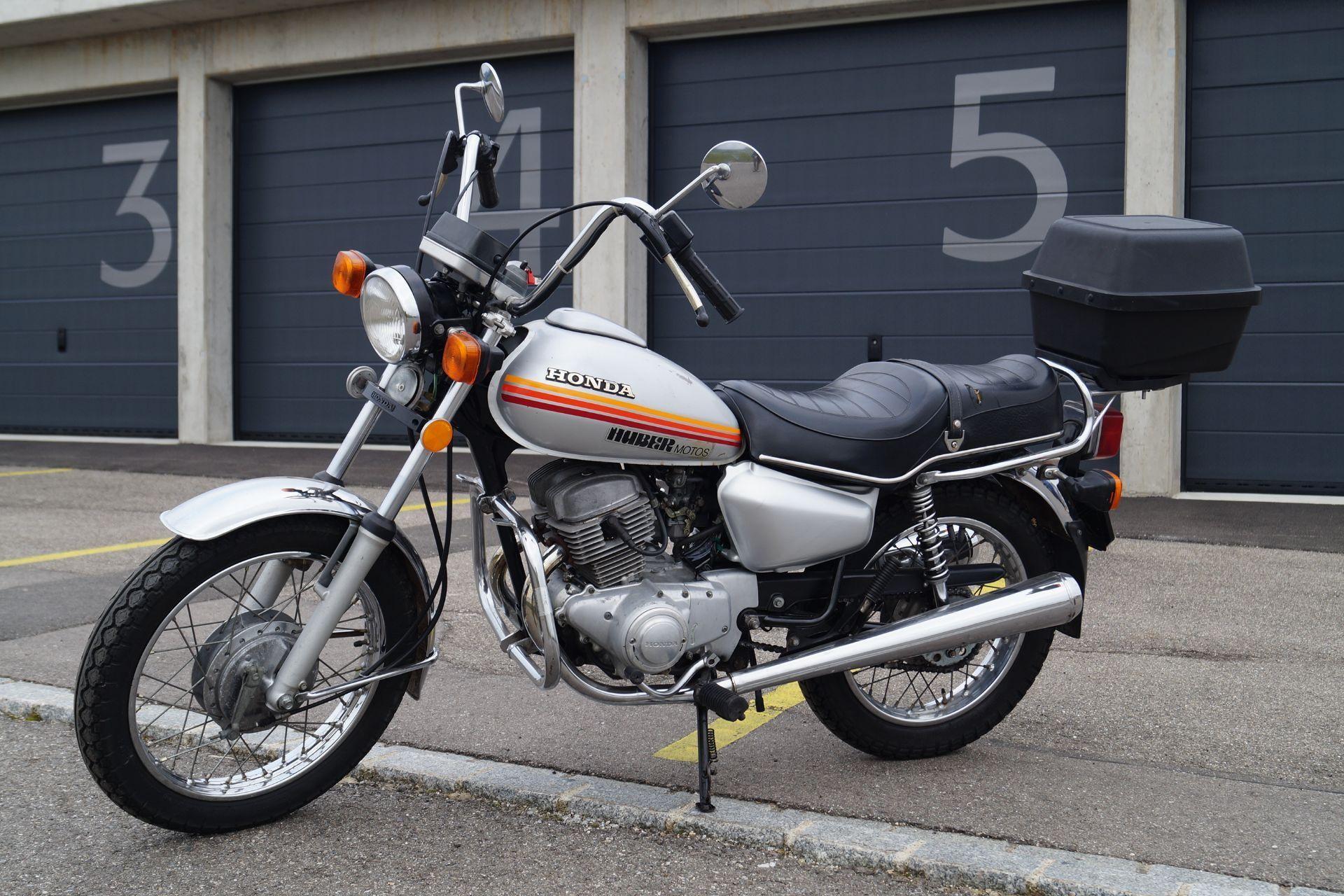 moto oldtimer acquistare honda cm 125 t motoshop ziegler schleitheim. Black Bedroom Furniture Sets. Home Design Ideas