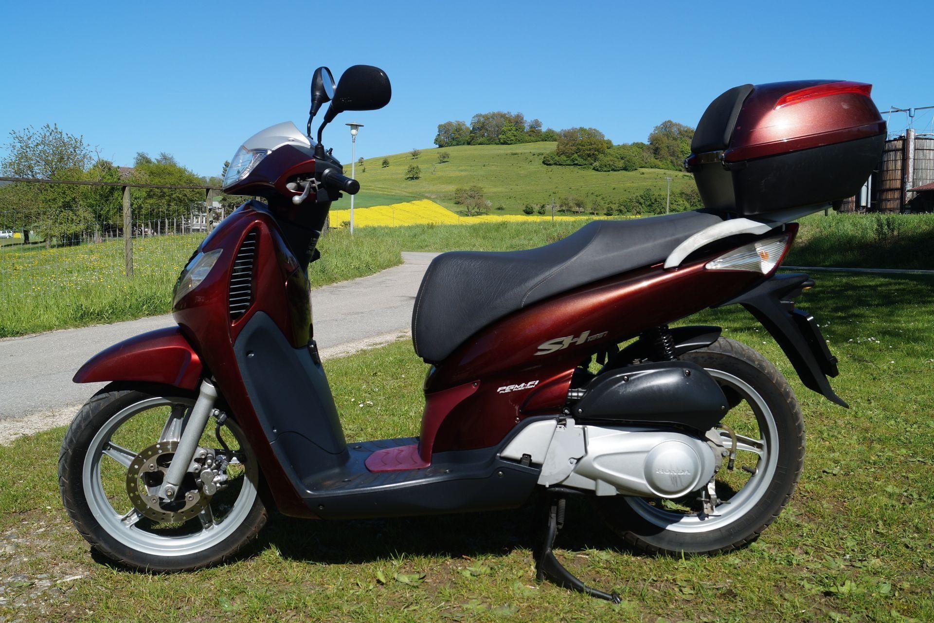 motorrad occasion kaufen honda sh 125 i motoshop ziegler schleitheim. Black Bedroom Furniture Sets. Home Design Ideas