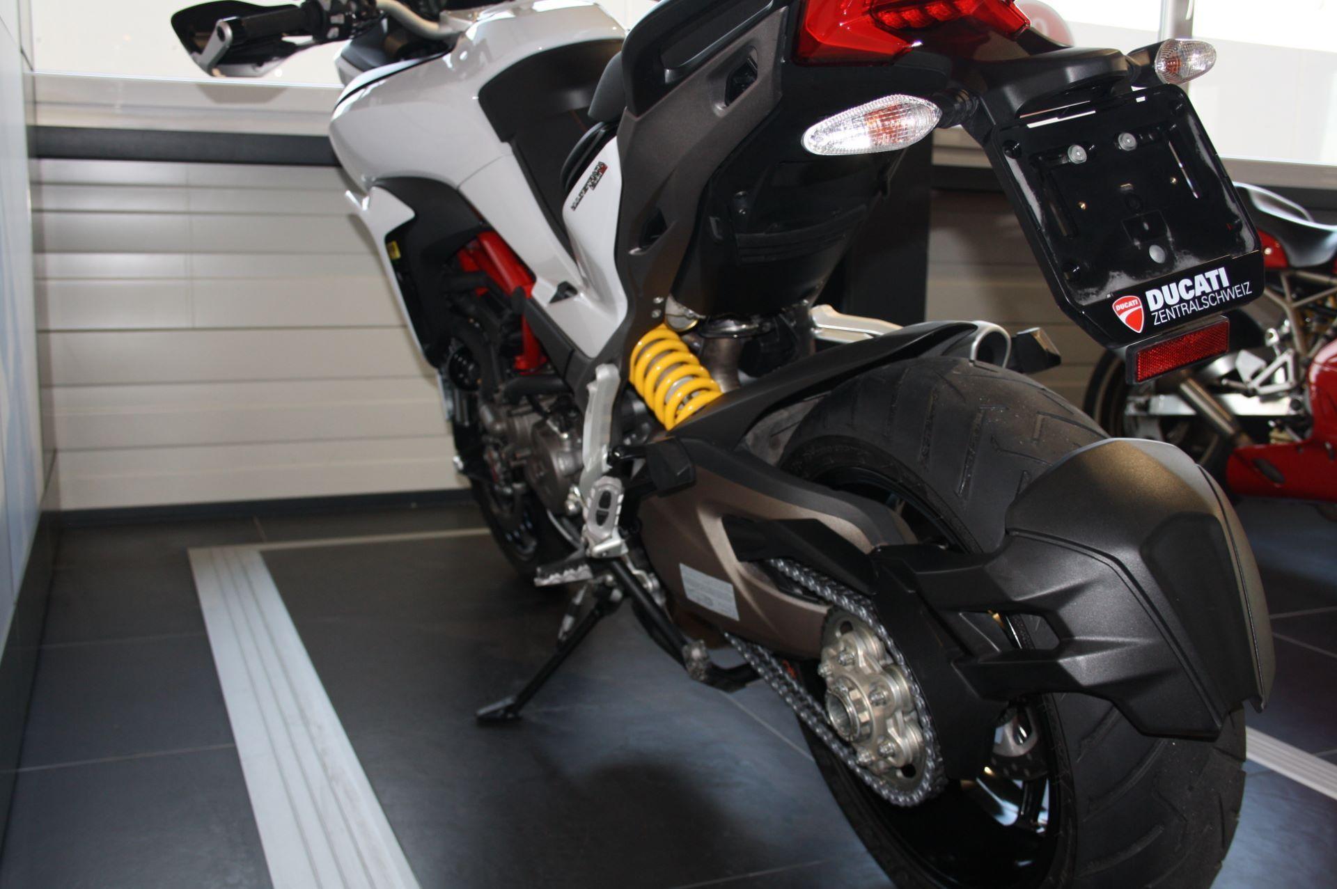 moto occasions acheter ducati 1200 multistrada abs ducati zentralschweiz perlen. Black Bedroom Furniture Sets. Home Design Ideas