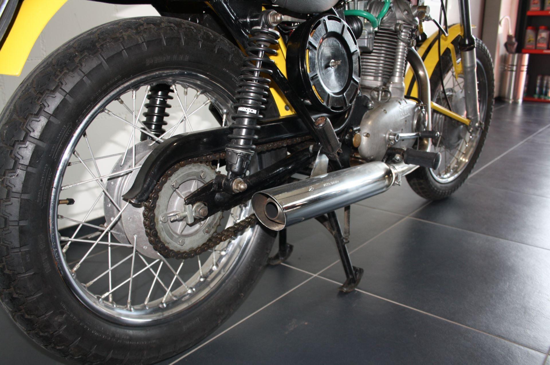 motorrad occasion kaufen ducati spezial dm 450 s moto. Black Bedroom Furniture Sets. Home Design Ideas