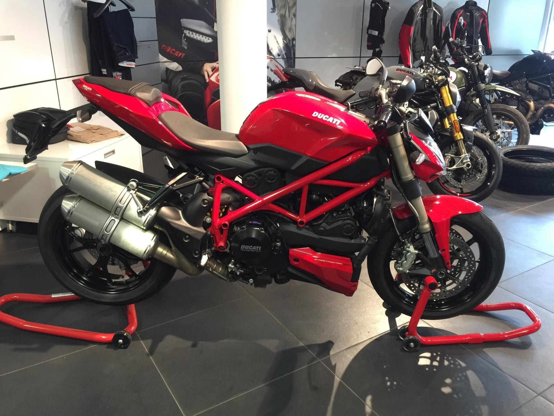 motorrad occasion kaufen ducati 848 streetfighter ducati basel basel. Black Bedroom Furniture Sets. Home Design Ideas