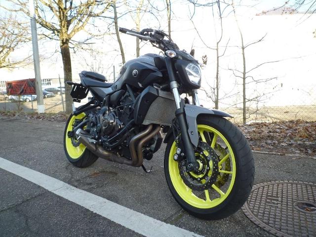 Motorrad kaufen YAMAHA MT 07 A 35kw Occasion
