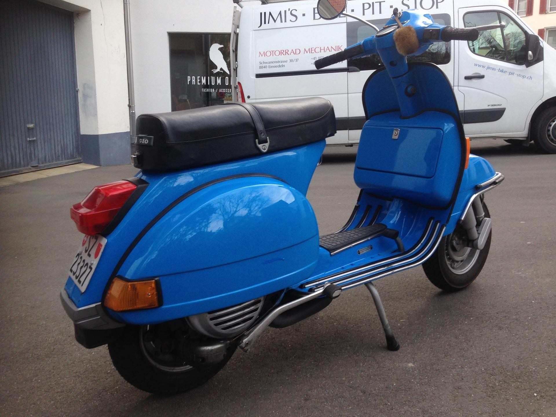 motorrad oldtimer kaufen vespa piaggio vnx vespa px jimi 39 s bike pit stop einsiedeln. Black Bedroom Furniture Sets. Home Design Ideas