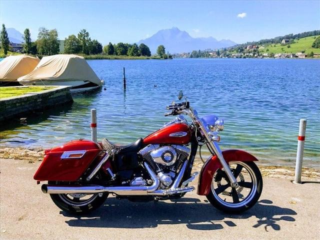 Motorrad kaufen HARLEY-DAVIDSON FLD 1690 Dyna Switchback ABS Occasion
