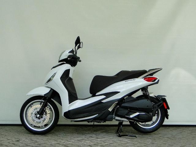 Motorrad kaufen PIAGGIO Beverly 300 HPE Vorführmodell