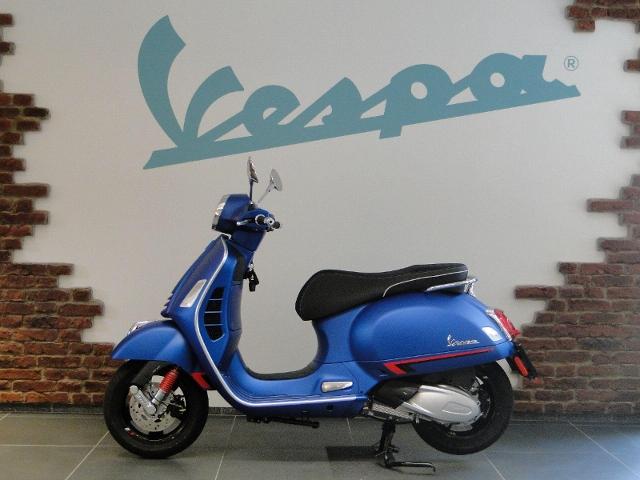 Acheter une moto PIAGGIO Vespa GTS 300 HPE Super Sport ABS/ASR Démonstration