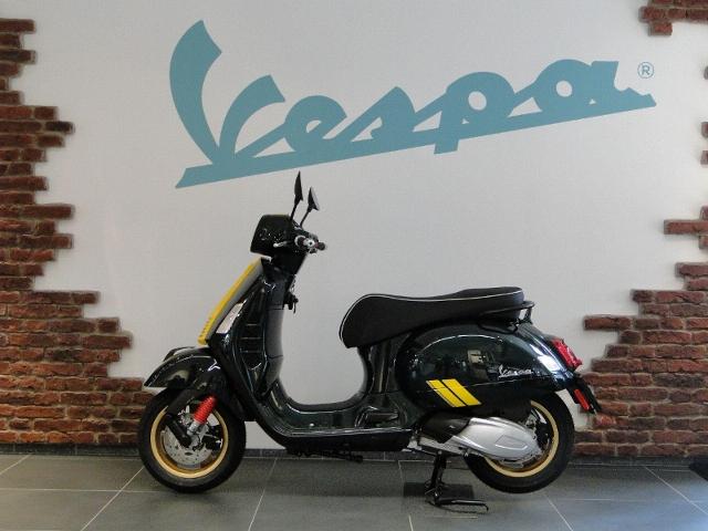 Motorrad kaufen PIAGGIO Vespa GTS 300 HPE Racing Sixties Vorführmodell