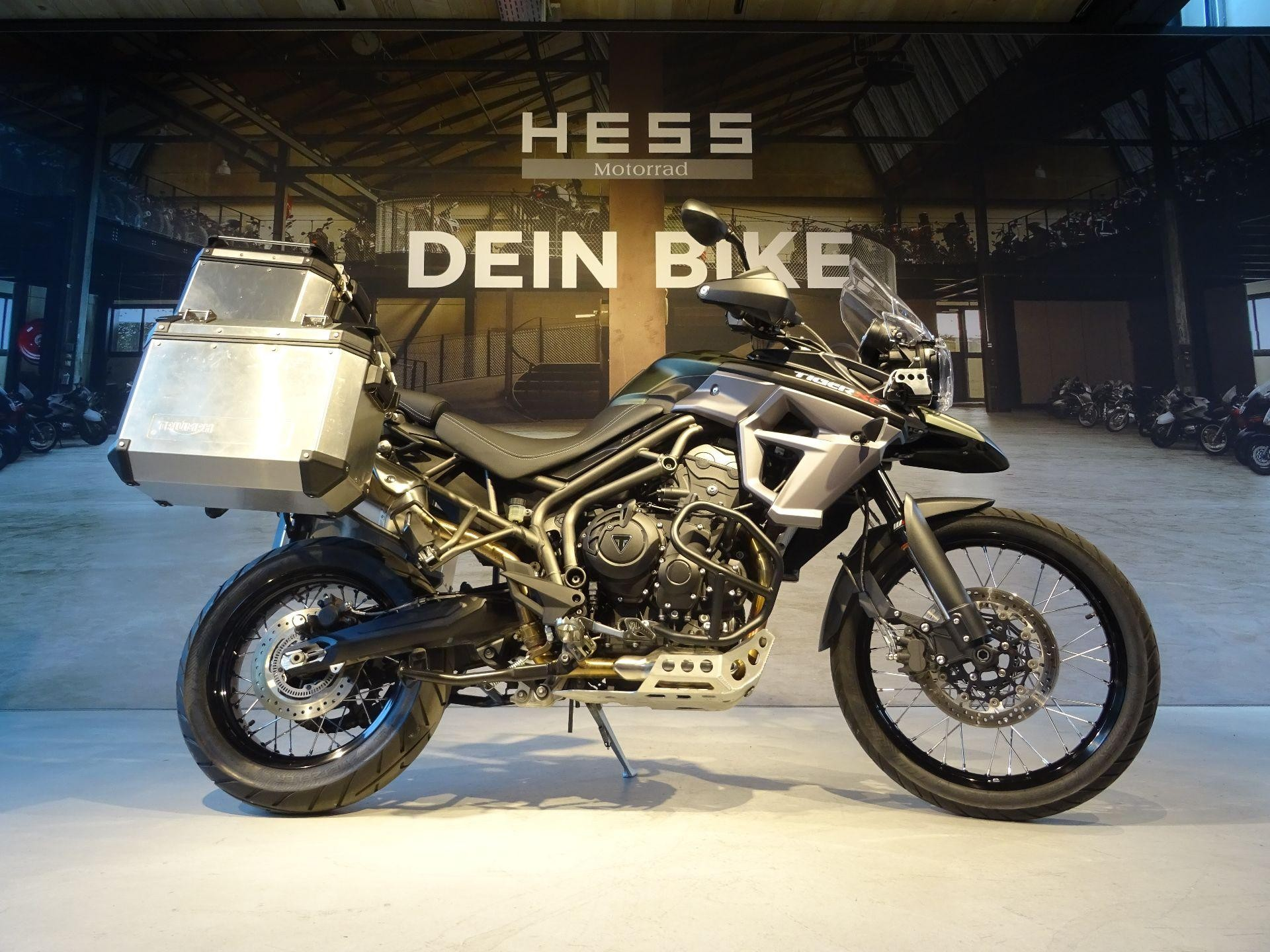 motorrad occasion kaufen triumph tiger 800 xcx abs hess. Black Bedroom Furniture Sets. Home Design Ideas