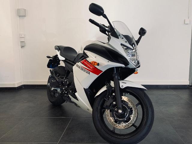 Motorrad kaufen YAMAHA XJ 6 Diversion F ABS Vorführmodell