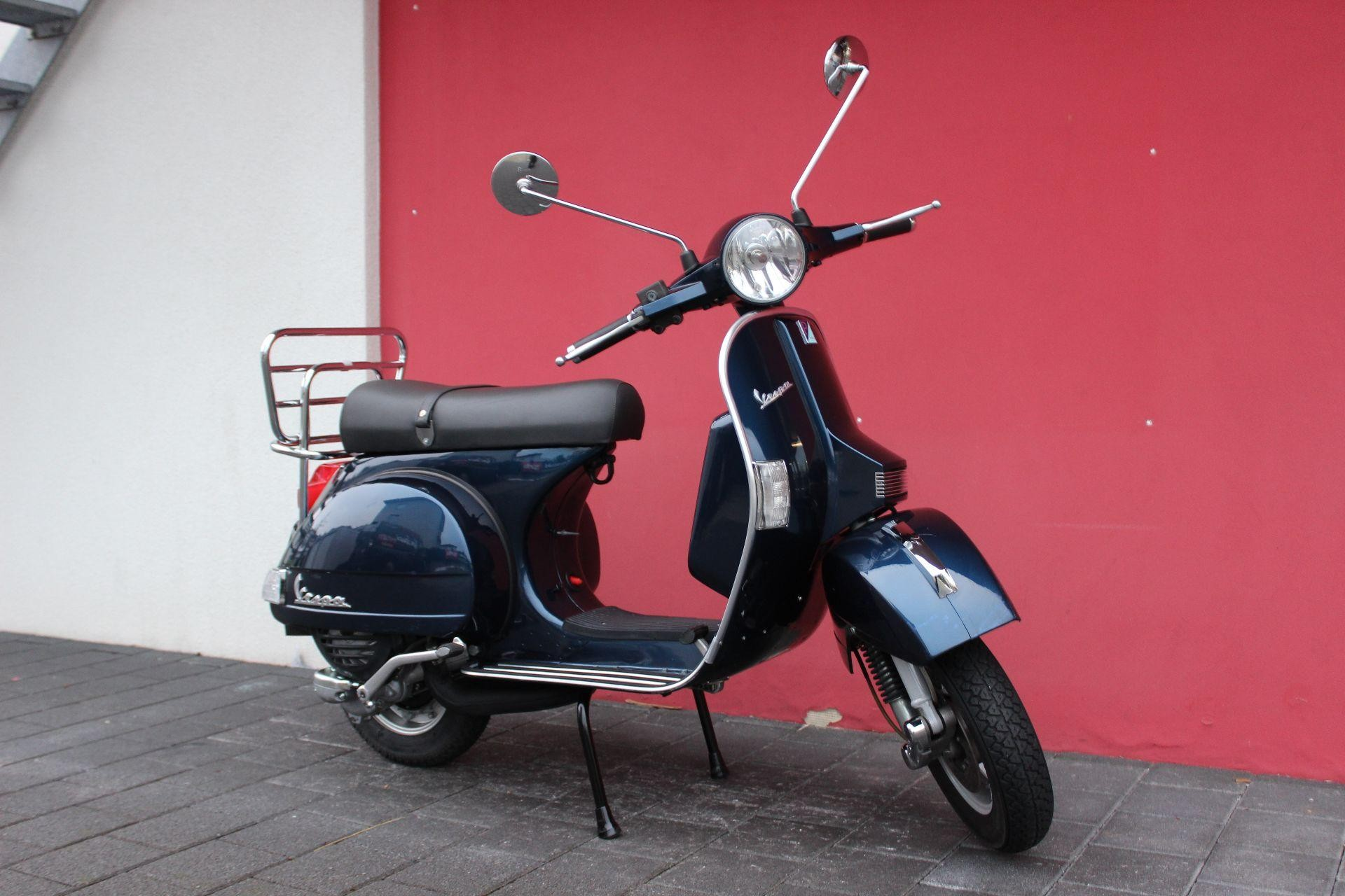 moto occasioni acquistare piaggio vespa px 125 e hans leupi gmbh meggen. Black Bedroom Furniture Sets. Home Design Ideas