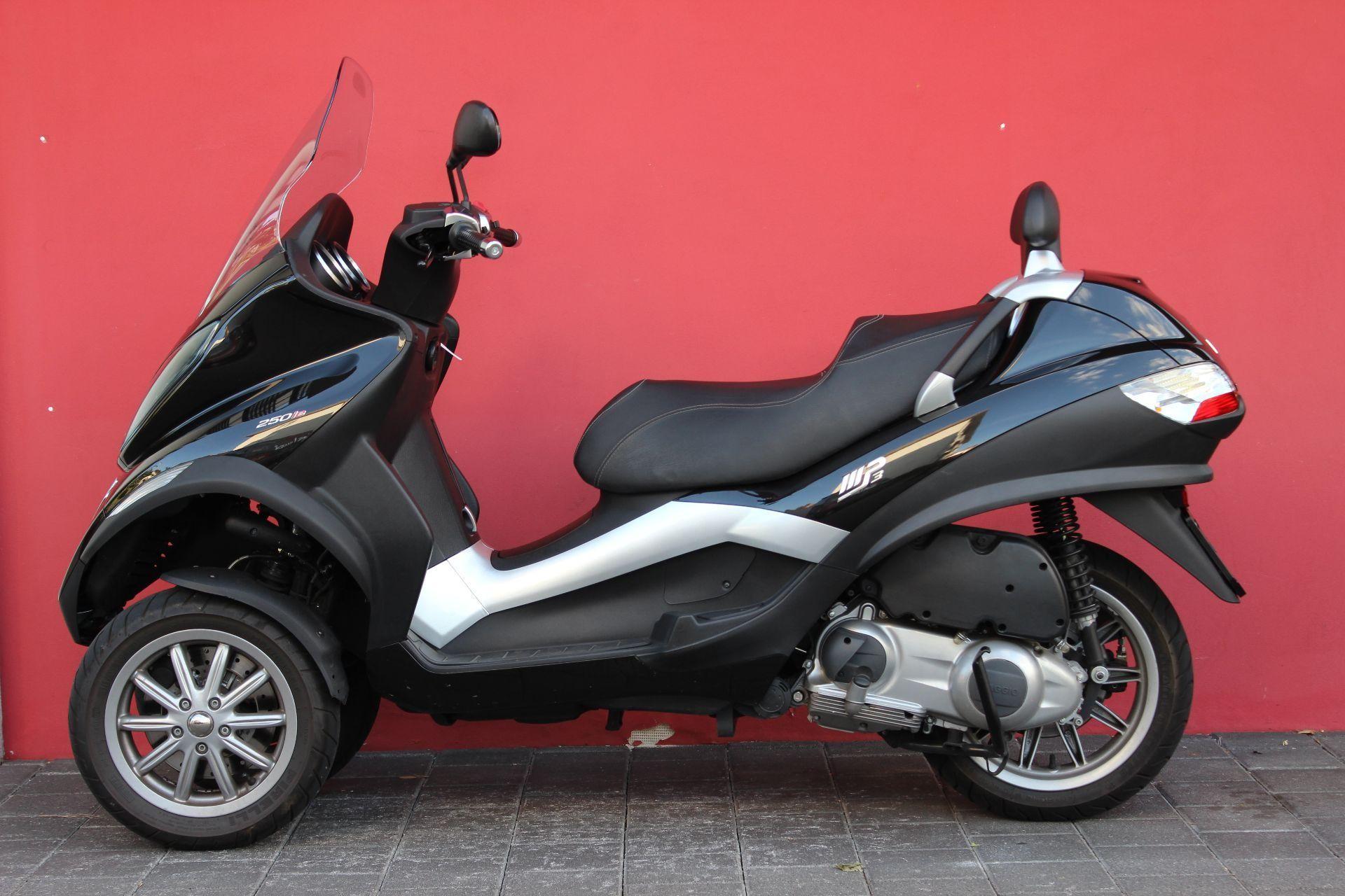 motorrad occasion kaufen piaggio mp3 250 i e 3 rad hans leupi gmbh meggen. Black Bedroom Furniture Sets. Home Design Ideas