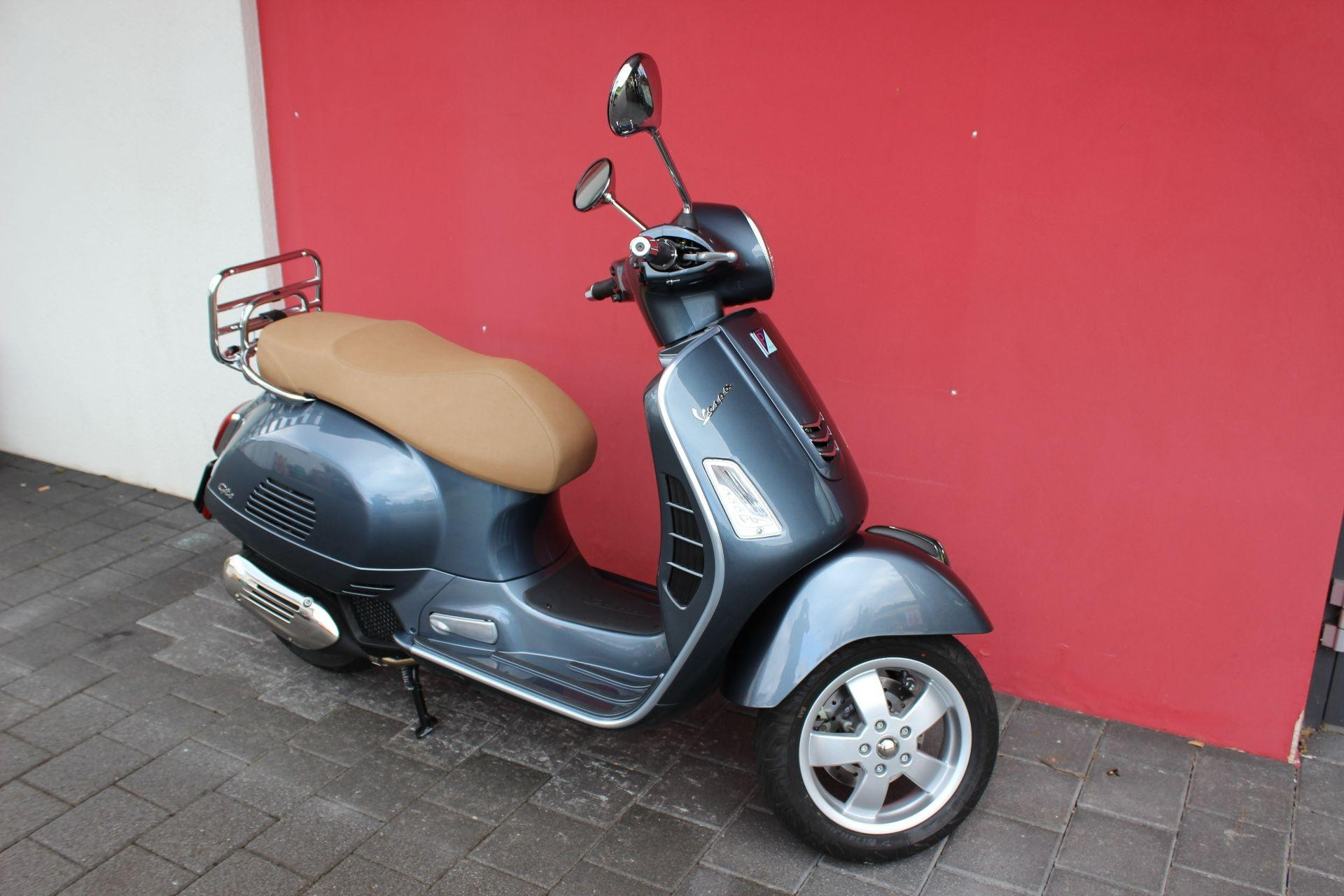 motorrad occasion kaufen piaggio vespa gts 125 hans leupi gmbh meggen. Black Bedroom Furniture Sets. Home Design Ideas
