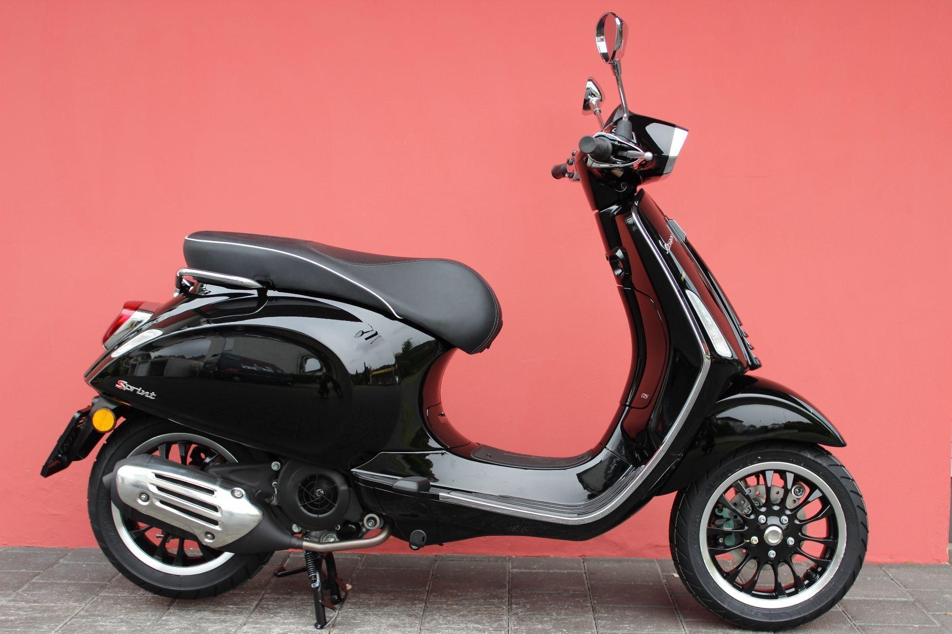Louer moto PIAGGIO Vespa Sprint 125 ABS iGet