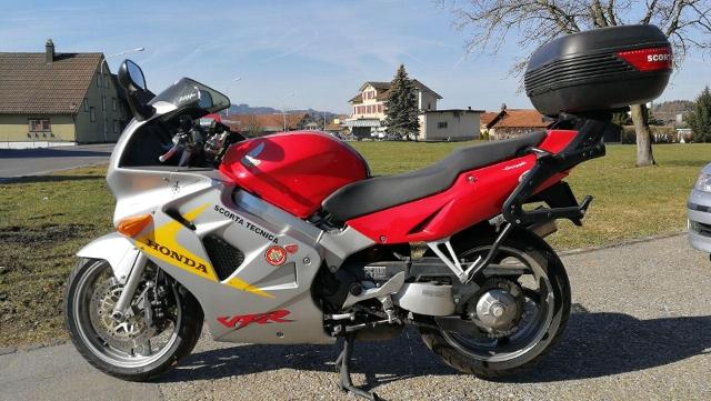 Motorrad kaufen HONDA VFR 800 Occasion