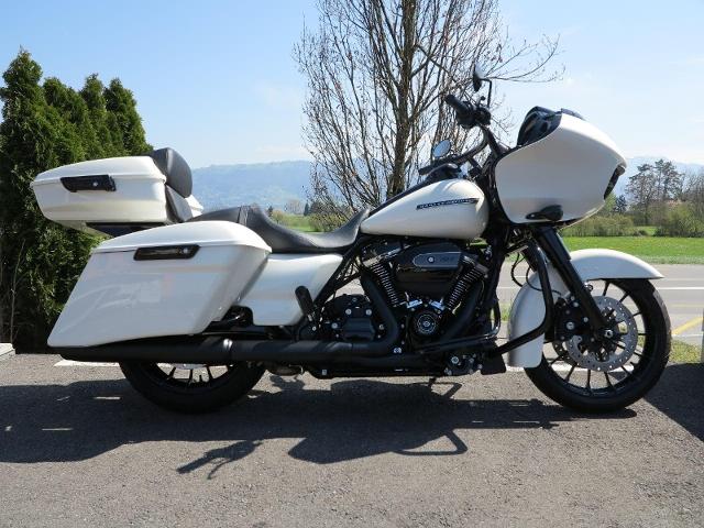 Motorrad kaufen HARLEY-DAVIDSON FLTRXS 1745 Road Glide Special ABS Modell 2018 Neufahrzeug