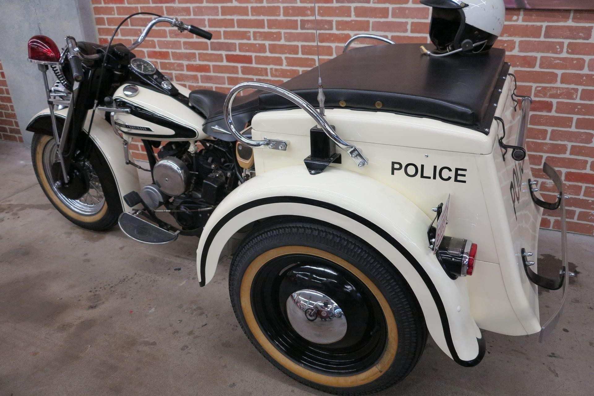motorrad oldtimer kaufen harley davidson servicar 1963 ge police harley davidson zentral schweiz. Black Bedroom Furniture Sets. Home Design Ideas