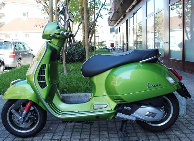 Acheter une moto PIAGGIO Vespa GTS 125 ID 1801 Occasions