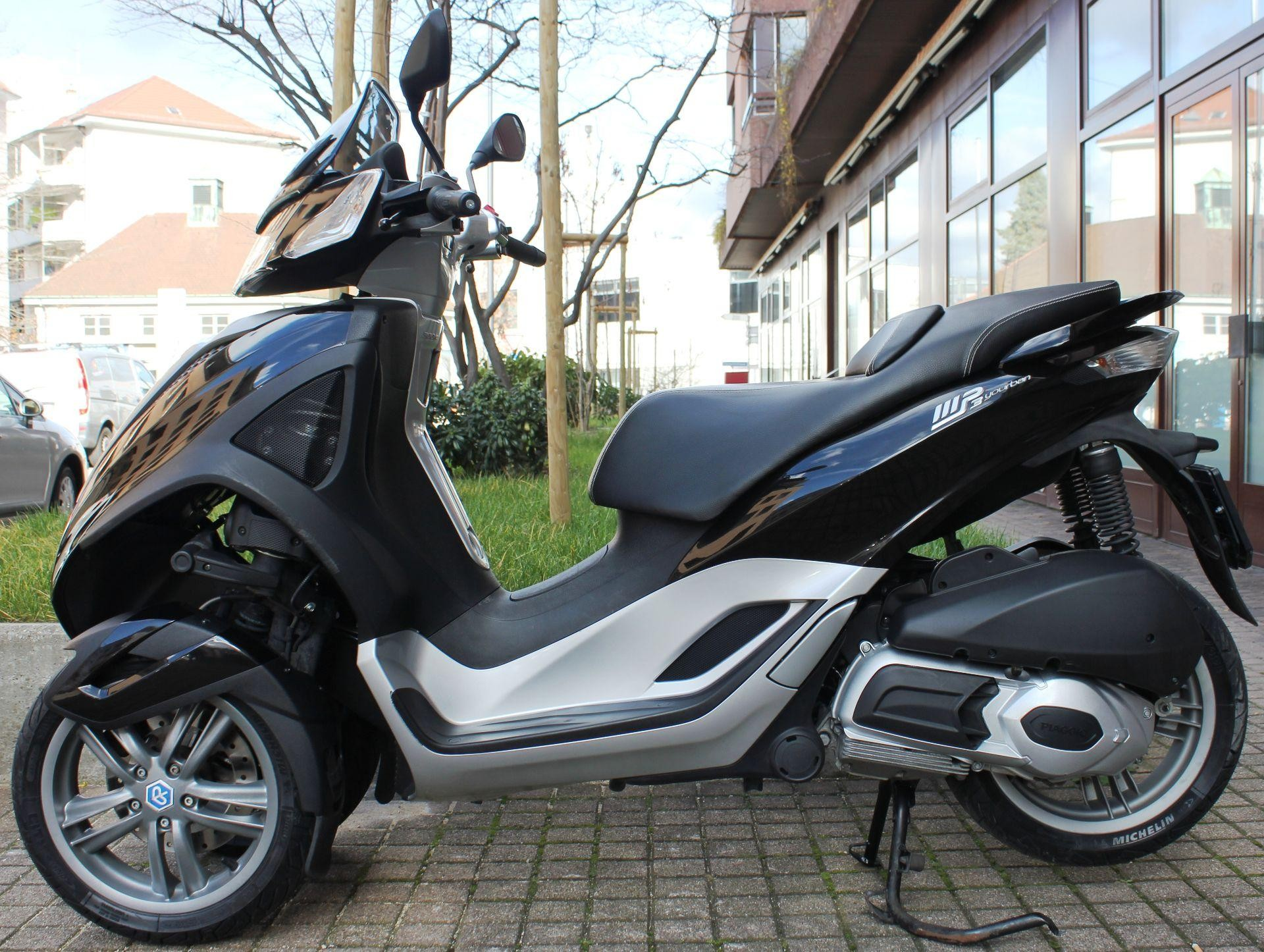 motorrad occasion kaufen piaggio mp3 300 i e yourban 3 rad id 4371 phoenix basel ag basel. Black Bedroom Furniture Sets. Home Design Ideas