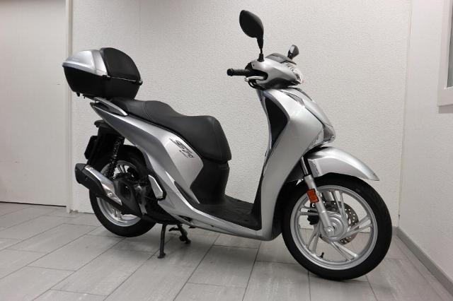 Motorrad kaufen HONDA SH 125 AD ABS *3346 Neufahrzeug