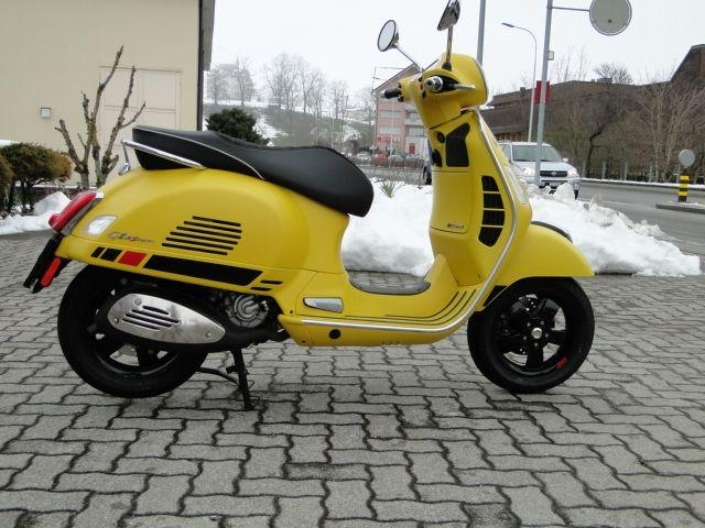 Motorrad kaufen PIAGGIO Vespa GTS 300 Super Super Sport Vorführmodell
