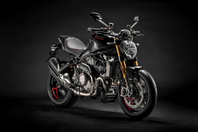 Motorrad kaufen DUCATI 1200 Monster S ABS Black on Black Neufahrzeug