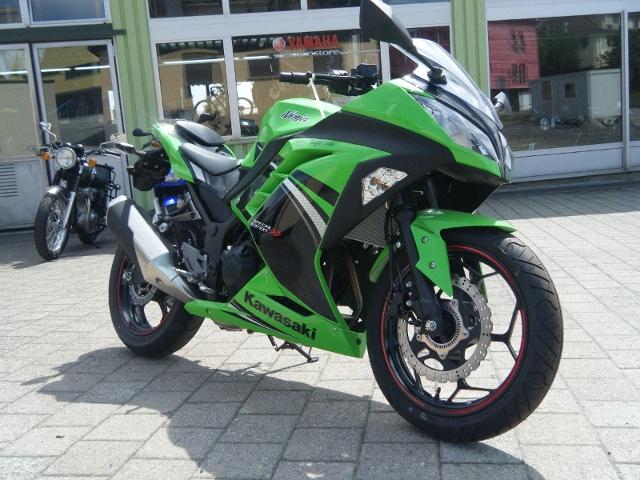 Motorrad kaufen KAWASAKI Ninja 300 ABS Occasion