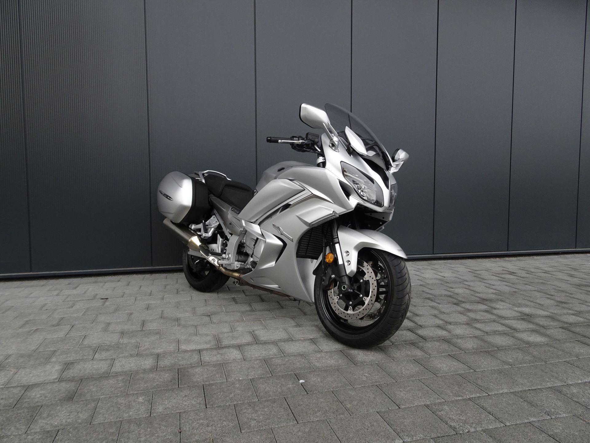 motorrad occasion kaufen yamaha fjr 1300 ae abs keller motos ag siggenthal station. Black Bedroom Furniture Sets. Home Design Ideas