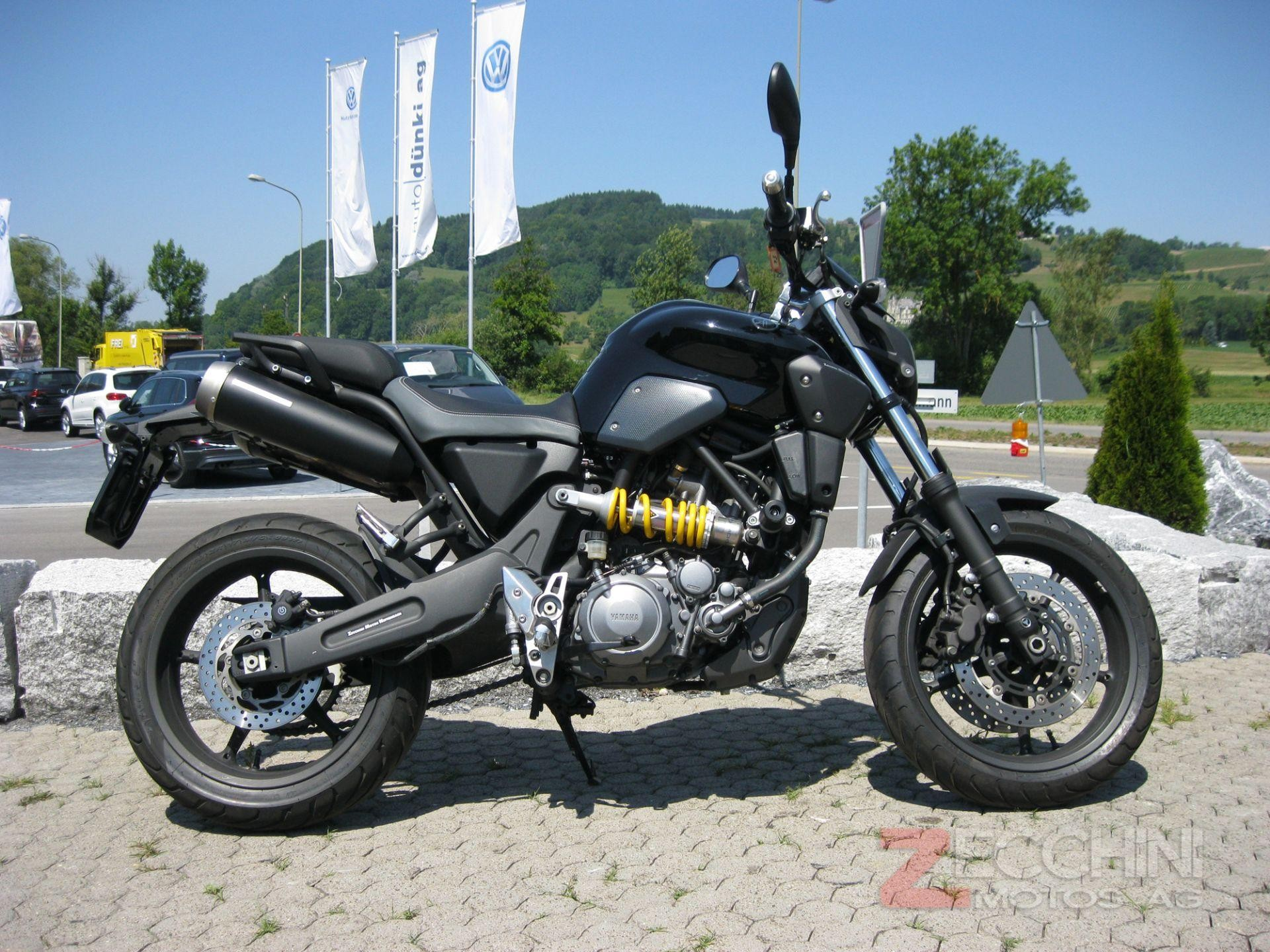 moto occasions acheter yamaha mt 03 zecchini motos ag neftenbach. Black Bedroom Furniture Sets. Home Design Ideas