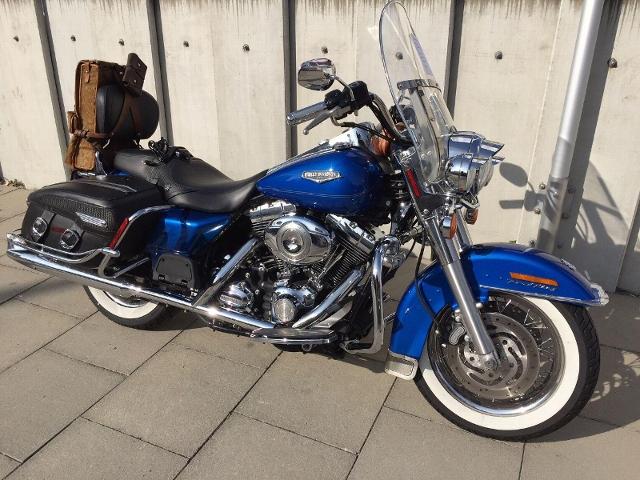 Motorrad kaufen HARLEY-DAVIDSON FLHRC 1584 Road King Classic Kein Eintausch möglich Occasion