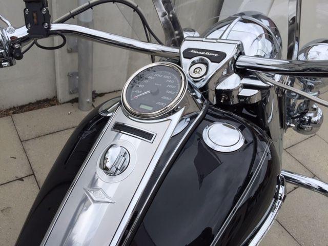 Motorrad kaufen HARLEY-DAVIDSON FLHRC 1690 Road King Classic ABS Kein Eintausch Occasion