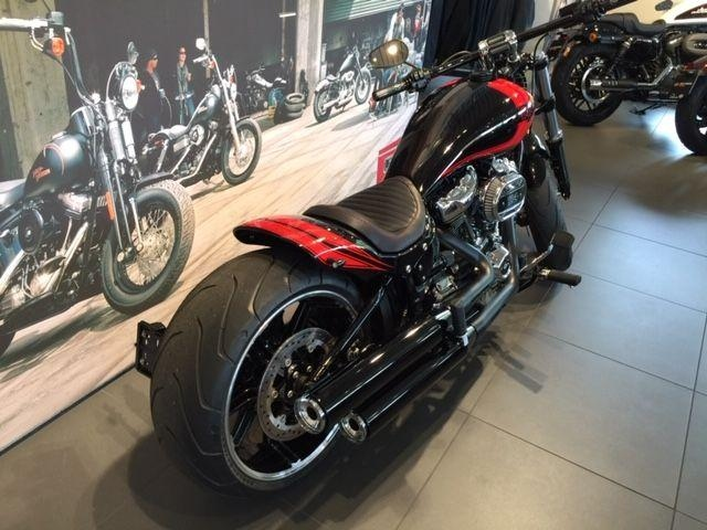 Motorrad kaufen HARLEY-DAVIDSON FXBRS 1868 BREAKOUT 114 Muscle R Occasion