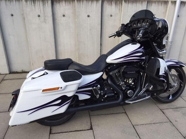 Motorrad kaufen HARLEY-DAVIDSON FLHXSE CVO 1801 Street Glide ABS nicht nur sauber, sondern rein. Occasion
