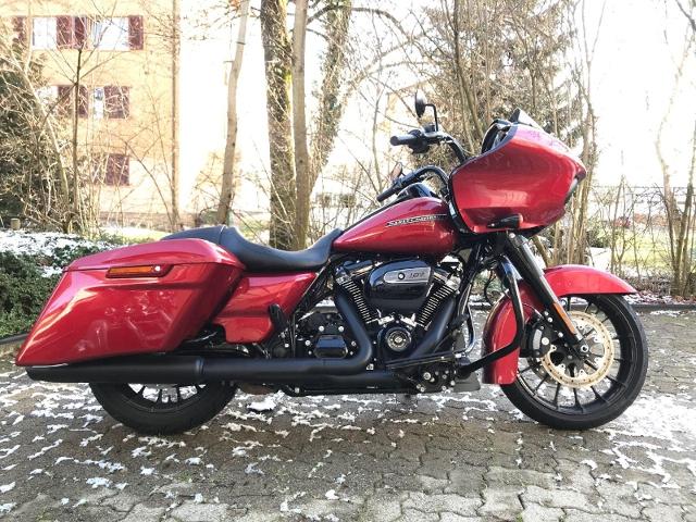 Motorrad kaufen HARLEY-DAVIDSON FLTRXS 1745 Road Glide Special ABS Januarlochpreis Occasion